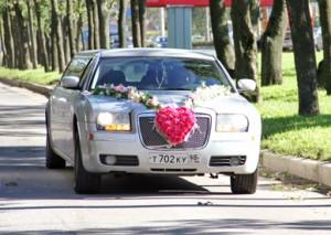 Лимузин Chrysler 300C серебристый 2009 infrus.ru