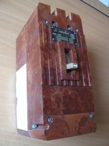 Автоматический выключатель А 3776 63-160А infrus.ru